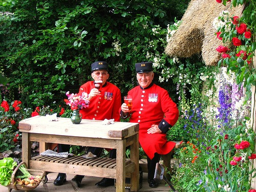 Chelsea-Pensioners-at-the-Chelsea-Flower-Show-London-2013